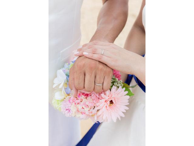 残しておきたい結婚指輪と手元アップ