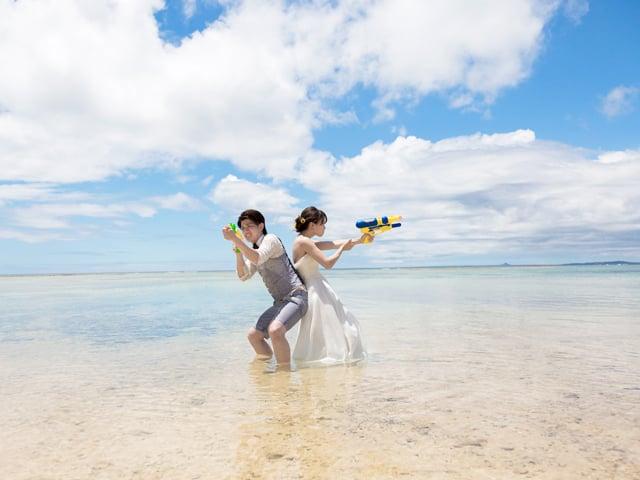 沖縄の海のど真ん中で、いっぱい遊ぼう
