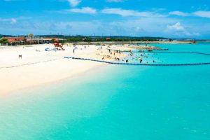 沖縄ビーチフォトウェディングでも特に高い人気を誇っている美々ビーチ