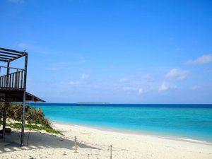 車で行ける離島の砂浜瀬底ビーチ