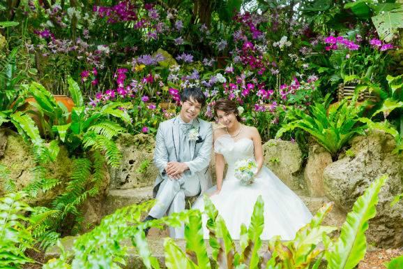 沖縄ビーチ&観光地フォトの結婚写真セットプラン