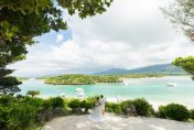 石垣島の有名観光スポット川平湾でフォトウェディング