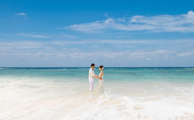 沖縄の澄み渡る空と海