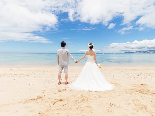 沖縄の水平線を見つめて