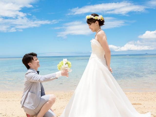リゾート地で憧れのプロポーズ