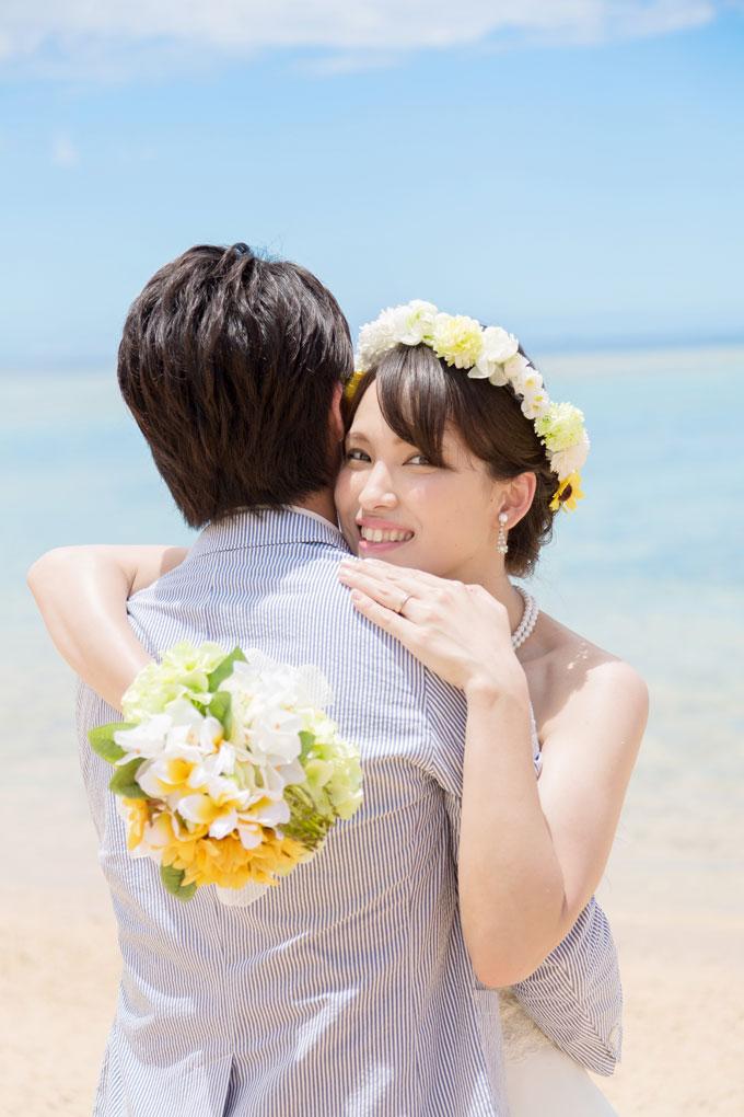 花嫁の輝く笑顔いっぱい