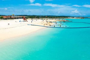 絶景スポット,沖縄ビーチフォトウェディングでも特に高い人気を誇っている美々ビーチ