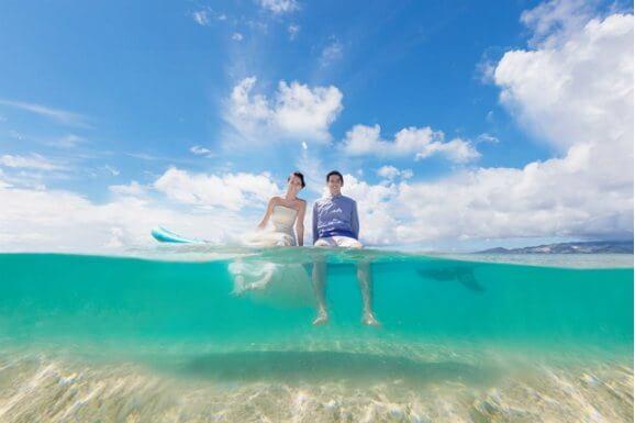 穿著婚紗入海的沖繩婚紗攝影方案