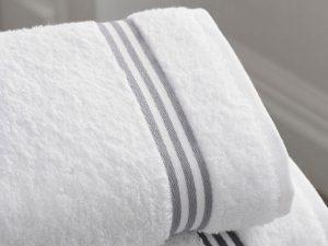 汗拭きタオルを持参してこまめに汗を拭おう