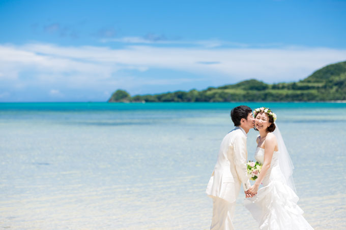 石垣島フォトウェディングの魅力は青い空と海