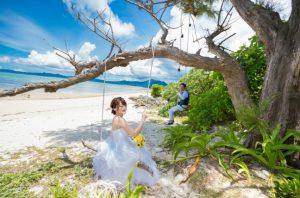石垣島タバガービーチにはブランコもあります