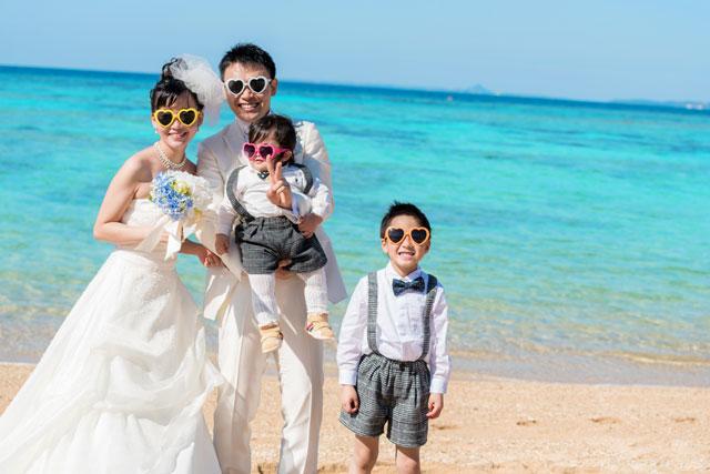 沖縄フォトウェディングは家族でクールに!?