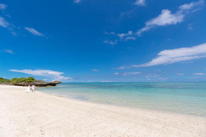 曇り空が消え、快晴になった沖縄フォトウェディング