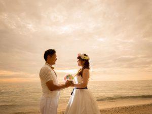 沖縄の恩納村にある安富祖ビーチはサンセットも素敵