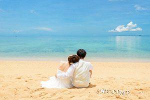 沖縄の恩納村にある安富祖ビーチの昼間
