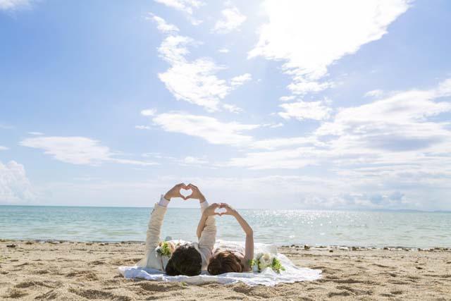 ウミカジテラス&ビーチフォトウェディング|沖縄ウェディングオンライン