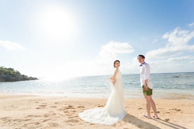沖縄フォトウェディング先輩花嫁の王道Aラインドレス