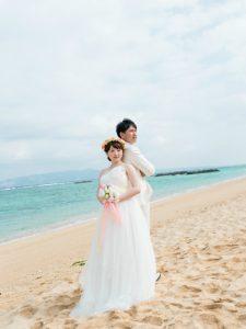 透明感のある花嫁姿を演出する人気のエンパイアライン