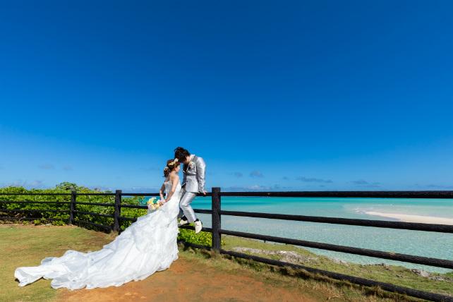 沖縄フォトウェディング先輩花嫁のソフトマーメイドラインドレス