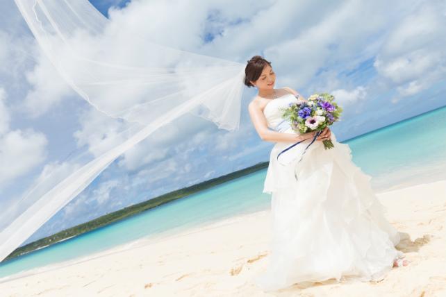 ウェディングドレスの悩みを解消|沖縄ウェディングオンライン