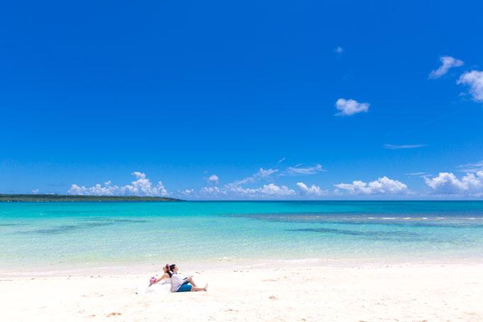 宮古島のビーチフォトウェディングはもはや別格。言葉を失うほどにキレイ