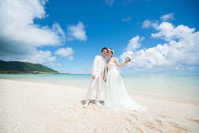 沖縄フォトウェディング先輩花嫁のハイウエストAラインドレス