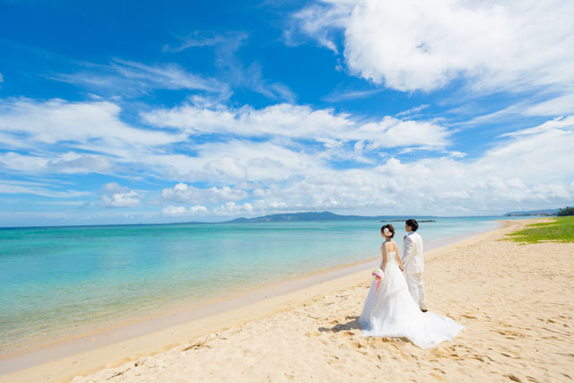 沖縄のビーチは本州の海と比べてとってもキレイ