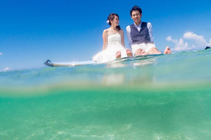 沖縄フォトウェディングの水中写真を見れば海が青い理由は一目瞭然!