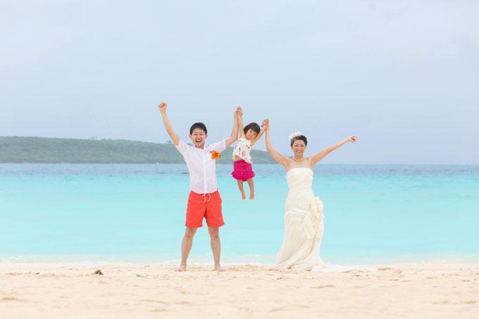沖縄のビーチフォトウェディングは子どもにとっても大切な思い出に