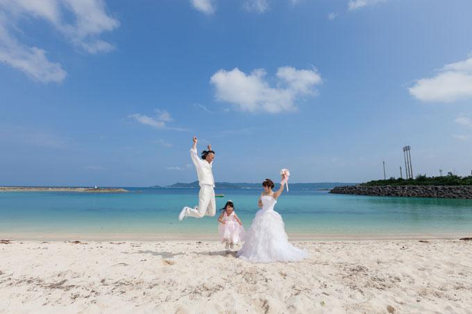 セントアンドリュース・チャペルの後は西原きらきらビーチで撮影!