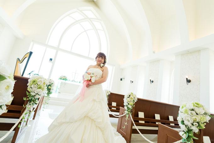 真っ白なチャペルで叶える花嫁のソロショット