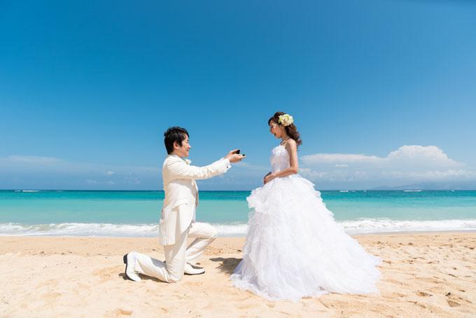 彼からのプロポーズ。愛の告白に花嫁も喜びの表情