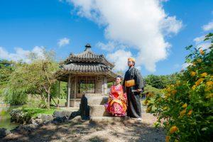 沖縄の琉装でフォトウェディング