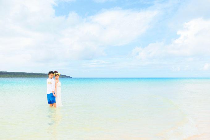 宮古島の海で、ドレスのまま海に入るトラッシュザドレスウェディング!