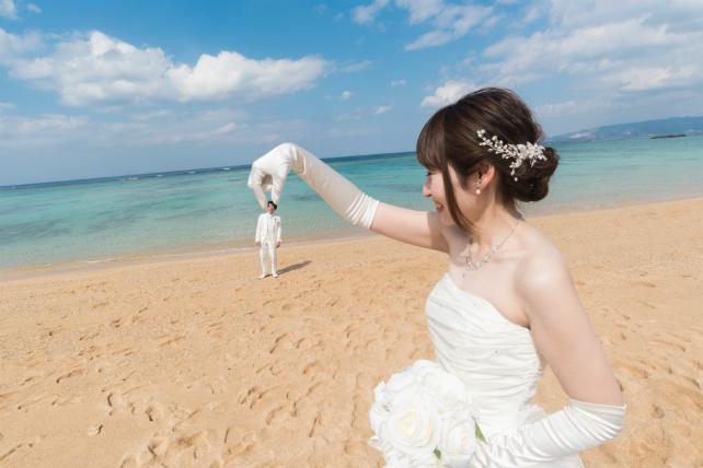 干潮の日は砂浜が広いのでトリックアートに最適!