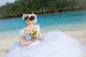 石垣島ビーチフォトウェディング お姫様ポーズ