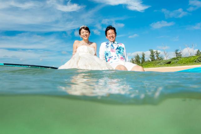 サップ+水中カメラでまるで海に浮かんでいるみたいなシーン