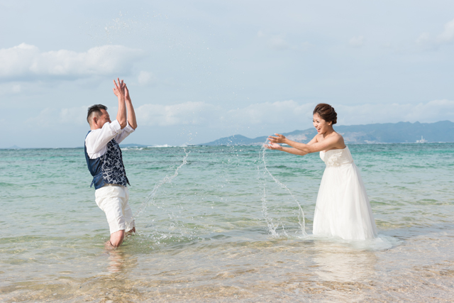 トラッシュザドレスで最高に楽しい思い出づくりを|沖縄ウェディングオンライン