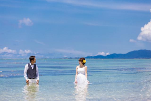 トラッシュザドレスでふたりらしさを表現しよう|沖縄ウェディングオンライン