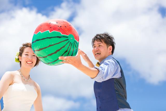 撮影グッズ スイカビーチボール|沖縄ウェディングオンライン