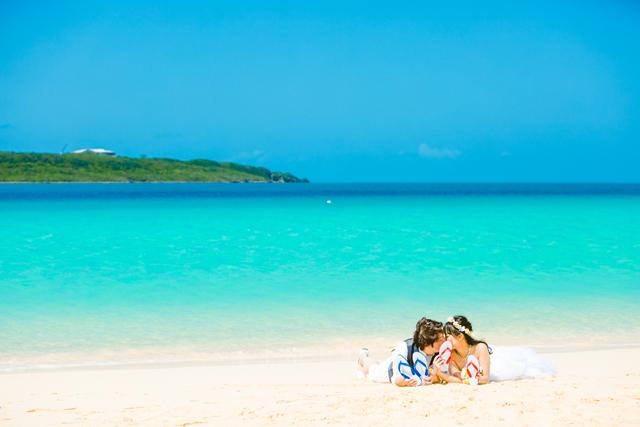 超美しいウェディングフォト|沖縄ウェディングオンラインのトラッシュザドレス