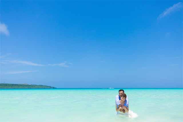宮古島与那覇前浜ビーチ|ファミリーフォトウェディング|沖縄ウェディングオンライン