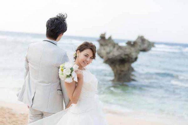 古宇利島ハートロックフォトウェディング|沖縄ウェディングオンライン