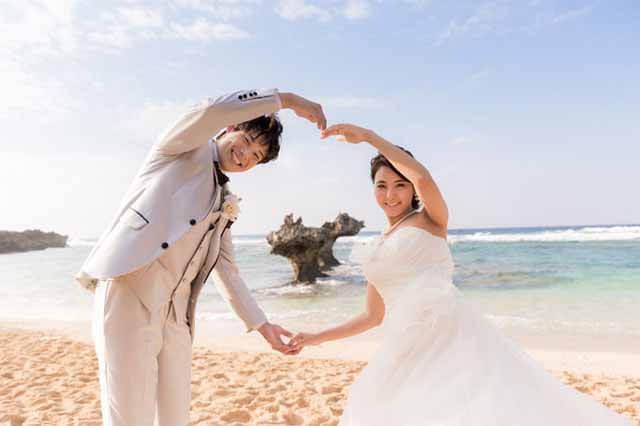 古宇利島ハートロック フォトウェディング|沖縄ウェディングオンライン