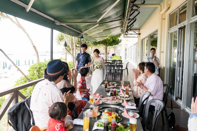 沖縄フォトウェディングと会食のセットプラン