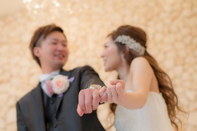 石垣島チャペルで手つなぎショットを撮影できる