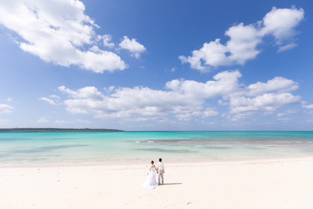 宮古島の天然ビーチ「与那覇前浜ビーチ」での憧れショット