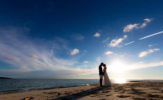 刻一刻と移り変わる空の絵図|沖縄ウェディングオンライン