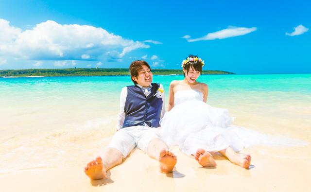 沖縄の美しいビーチでフォトウェディング|沖縄ウェディングオンライン