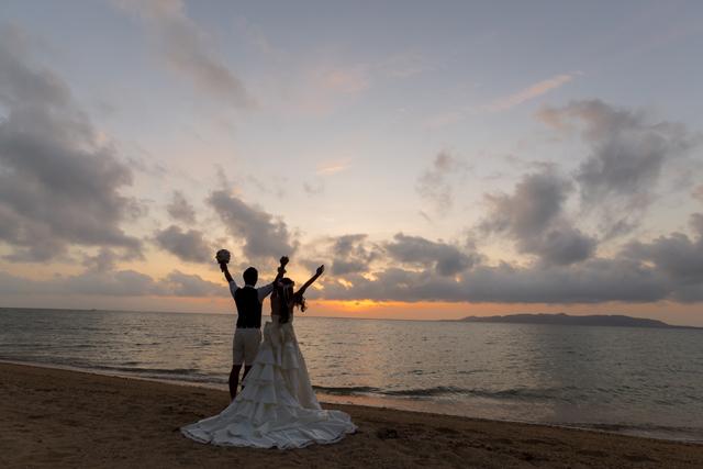 石垣島サンセットフォトウェディング|沖縄ウェディングオンライン